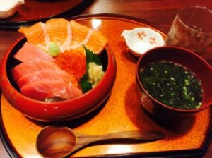 有名な海鮮丼を食べに行きました! めちゃくちゃ美味しかったです。