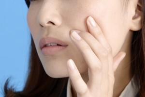 疲れ・ストレスがあると、肌が カサつきやすくなることもあります