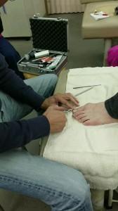 昨日は、三国ヶ丘鍼灸整骨院で 外部の講師の先生に来て頂き 新しい治療メニューの勉強会を 開催しました!