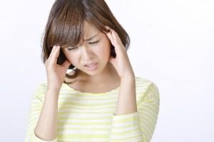 台風の低気圧によって、頭痛、 腰痛、肩こり、耳鳴り、めまい、吐き気が したり、関節や古傷がズキズキと痛くなります
